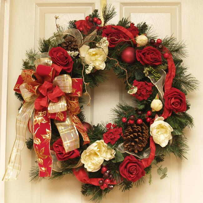 Новогодний венок на дверь своими руками фото