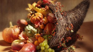 cornucopia-pumpkin-grape-orange-artichoke-apple-880x495